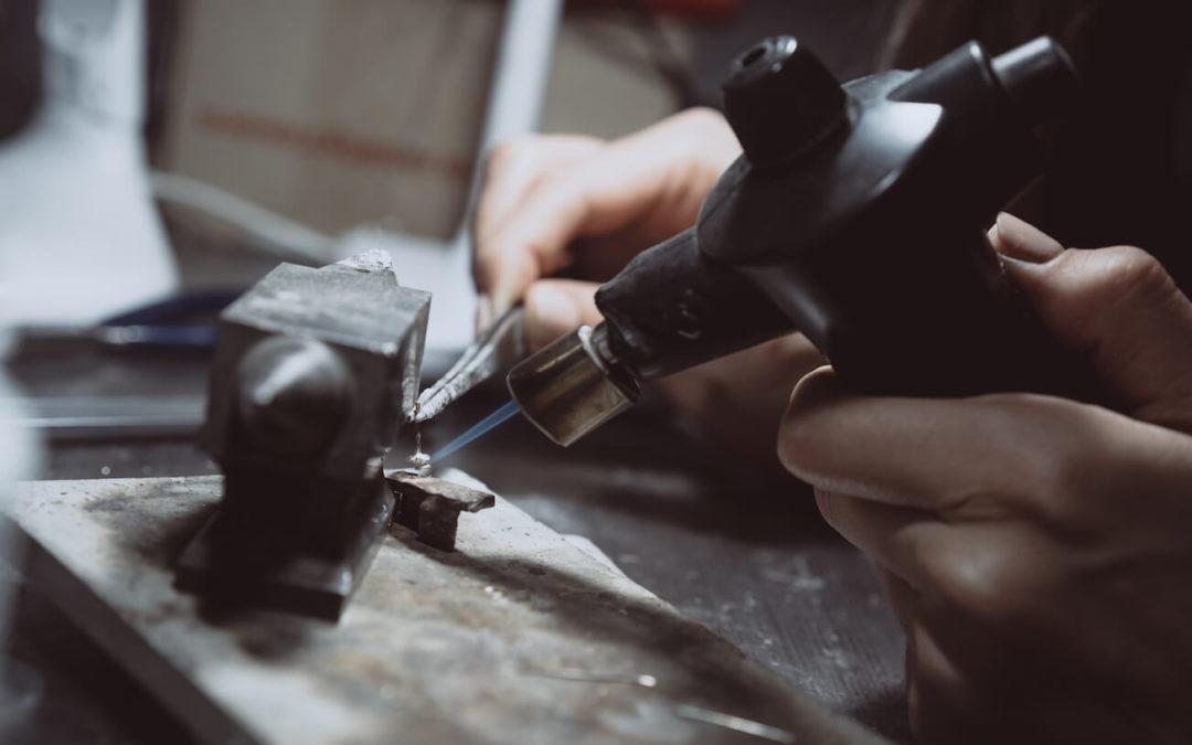 Reticolazione: una tecnica di lavorazione artistica dei metalli